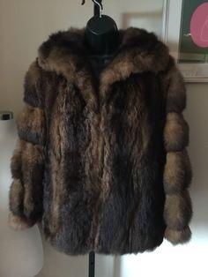 LADIES vintage natural shaggy FUR zip-front coat jacket POSSIBLY MUSKRAT SO SOFT…