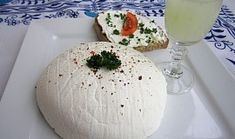 """Domácí """"lučina"""" Kefir, Camembert Cheese, Food And Drink, Dairy, Healthy Recipes, Homemade, Snacks, Meals, Diet"""