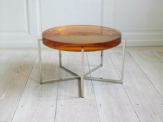 Resine table