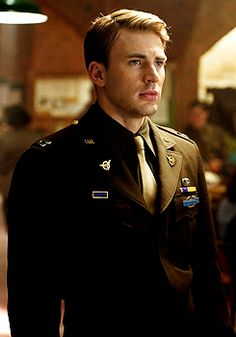 steve rogers, captain america. Love, love this character. There just aren't people in the world like him anymore; if you are, I want to know you.