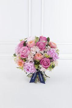 Hayford and Rhodes is an award-winning florist offering Wedding Flowers, Event Flowers, Corporate Flowers. London UK.
