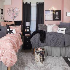 Dorm Room Designs, Room Design Bedroom, Room Ideas Bedroom, College Bedroom Decor, College Room, Black Bedroom Decor, Pink Dorm Rooms, Woman Bedroom, My New Room
