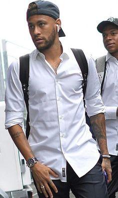 Neymar Images, Jaden Smith Fashion, Neymar Jr Wallpapers, Neymar Psg, Neymar Brazil, Pogba, Football Images, Junior Fashion, Stylish Mens Outfits