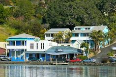 Mangonui Waterfront Apartment Motels Mangonui Overlooking the sparkling waters of Mangonui Harbour, Mangonui Waterfront Apartment Motels offer accommodation with free WiFi and a private balcony or patio. Guests enjoy free bicycle rental and BBQ facilities.