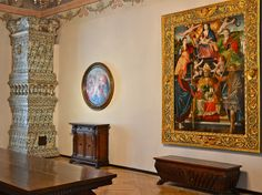 Tournament Hall at the Wawel Castle is adorned with painted freize by Hans Dürer (brother of Albrecht) from 1530 and a tondo with Madonna and Child with angels by Sandro Botticelli