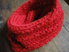 Cuello doble tejido en lana natural de oveja con dos agujas y punto 3 Revés y 1 derecho