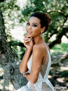 Beyonce Knowles is, quite possibly, the hottest woman alive. Mucho respect