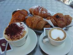 Italian breakfast: cappuccino or espresso with delicious brioches! Coffee Is Life, I Love Coffee, Coffee Break, Coffee Lovers, Coffee Time, Coffee Shop, Tea Time, Morning Coffee, Italian Breakfast