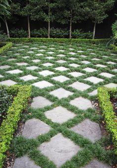 Pavers and Mondo Grass - Steingarten - Garden Floor Front Yard Landscaping, Backyard Landscaping, Landscaping Ideas, Pavers Ideas, Backyard Ideas, Stone Landscaping, Big Backyard, Landscaping Software, Cheap Paving Ideas