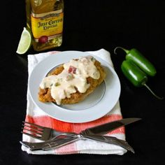 This Cornbread Fried Chicken Breasts with Jalapeño Popper Sauce sounds perfect for Cinco de Mayo this weekend. Jalapeno Sauce, Jalapeno Poppers, Fried Chicken Breast, Chicken Breasts, New Recipes, Favorite Recipes, Everyday Food, Cornbread, Cravings