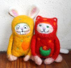 Pyjamaparty mit Schorsch und Klaus, gefilzt  von Frau Brunsels Filz auf DaWanda.com