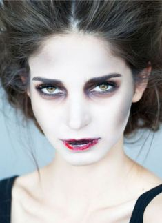 Are you looking for ideas for your Halloween make-up? Browse around this website for creepy Halloween makeup looks. Maquillage Halloween Zombie, Halloween Zombie Makeup, Maquillage Halloween Simple, Unique Halloween Makeup, Pretty Halloween, Easy Halloween, Halloween Party, Kids Zombie Makeup, Halloween Costumes