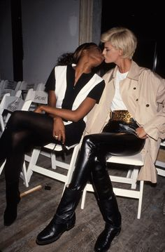 Quand les célébrités s'embrassent Naomi Campbell et Linda Evangelista