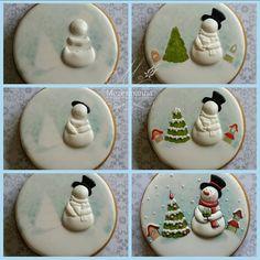 Sweet little snowmen Christmas cookies (frosting for sugar cookies baking) Snowman Cookies, Christmas Sugar Cookies, Christmas Sweets, Noel Christmas, Christmas Goodies, Holiday Cookies, Christmas Baking, Diy Snowman, Gingerbread Cookies
