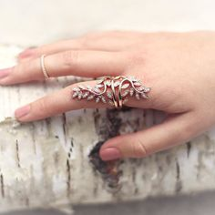 Definitely one of our most favorite rings! Link in bio! #ring #jewelry #fairytale #rosegold #bague - Shop now for thomassabo > http://ift.tt/1Ja6lvu