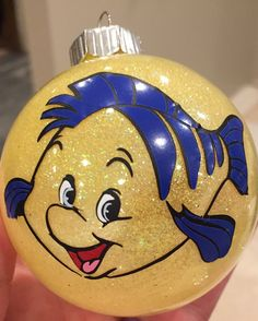 Flounder Ornament from The Little Mermaid by ColoCustomCreations Disney Christmas Decorations, Christmas Gifts For Couples, Disney Ornaments, Christmas Ornament Crafts, Christmas Tree Themes, Christmas Balls, Christmas Fun, Glitter Ornaments, Vinyl Ornaments