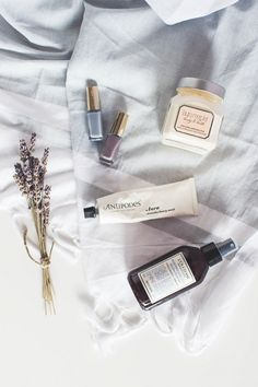 My weekend pampering routine including face masks, nail polishes, room spays and body butters of dreams!
