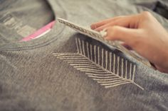 DIY: arrow tail stamped t-shirt