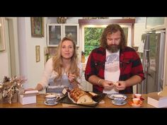 Josef Maršálek: Vánočka podle babičky - YouTube Kung Pao Chicken, Eat, Ethnic Recipes, Youtube, Food, Christmas, Xmas, Eten, Weihnachten