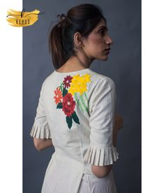 Short Kurti Designs, Silk Kurti Designs, Blouse Designs, Kurti Sleeves Design, Diy Clothes, Clothes For Women, Neck Designs For Suits, Bohemian Style Clothing, Kurti Patterns