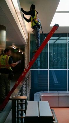 Work happens – Office Pranks and Fails – 27 Funny Pics