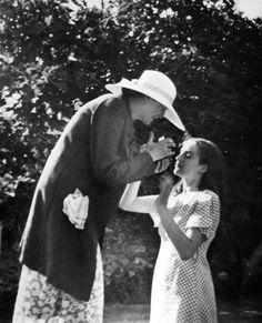 Angelica Garnett, daughter of Vanessa Bell, niece of Virginia Woolf, died on 4 May 2012 Virginia Woolf, Angelica Bell, Clive Bell, Portraits Victoriens, Leonard Woolf, Duncan Grant, Vanessa Bell, Bloomsbury Group, English Writers