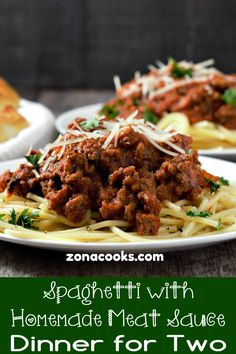 Spaghetti with Homemade Meat Sauce Recipe for Two Single Serve Meals, Single Serving Recipes, Homemade Meat Sauce, Homemade Spaghetti Sauce, Mug Recipes, Beef Recipes, Cooking Recipes, Small Meals, Meals For Two