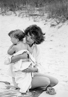 jackie kennedy onassis - beautiful woman with her beautiful child.
