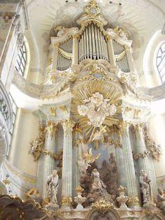 Organ in the Dresden Frauenkirche, rebuilt in 2005 by Daniel Kern behind a reconstruction of the original facade of the 1736 organ of Gottfried Silbermann church in Dresden, eastern Germany