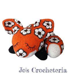 Hey, diesen tollen Etsy-Artikel fand ich bei https://www.etsy.com/de/listing/286545443/megan-the-african-flower-fox-crochet