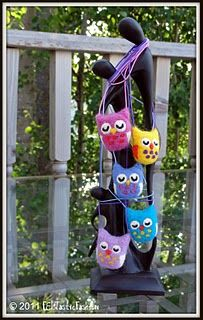 Owl family - wool felt necklace © 2011 FELTasticFashion these would be cute for the kids
