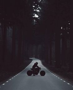 ideas for motorcycle cafe racer vintage cars Vintage Cafe Racer, Vintage Bikes, Vintage Cars, Joker 3d Wallpaper, Dark Wallpaper, Screen Wallpaper, Mobile Wallpaper, Robinson, Yamaha Virago
