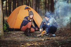 Are you looking for a fun and inexpensive way to go on a vacation? You should consider going on a camping trip. Read this article for some useful camping tips Camping Diy, Couples Camping, Camping Places, Van Camping, Camping Guide, Luxury Camping, Camping Kitchen, Kayak Camping, Camping Glamping