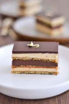 Mango Dessert Recipes, Cake Recipes, Opera Patisserie, Opera Cake, Bon Dessert, Fancy Desserts, Cooking Chef, Food Cakes, Biscuits