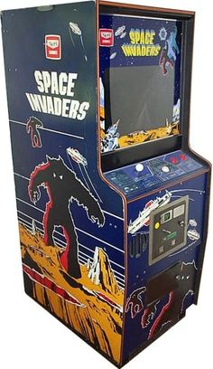 Space Invaders cabinet  ..remember los viejos tiempos, el anio 84.. I started to play this game when I was 13..Adiccion!