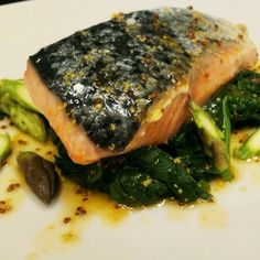 #salmone #pranzo #hallbar #milano #sarpi #salmonealforno #spinaci #salsasenape #instafood