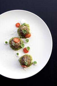 Lentil and Eggplant Vegetarian Meatballs Raw Food Recipes, Indian Food Recipes, Appetizer Recipes, Vegetarian Recipes, Cooking Recipes, Ethnic Recipes, Vegetarian Meatballs, Healthy Food Quotes, Food Plating