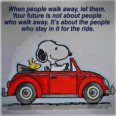 Snoopy Quotes About Life Snoopy Love, Charlie Brown Und Snoopy, Charlie Brown Quotes, Snoopy And Woodstock, Great Quotes, Funny Quotes, Life Quotes, Inspirational Quotes, Qoutes