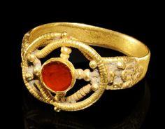 ROMAN GOLD RING, IV CENTURY
