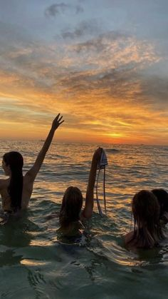 Summer Vibes, Summer Feeling, Bff Pics, Cute Friend Pictures, Friend Pics, Summer Pictures, Beach Pictures, Beach Pics, Shotting Photo