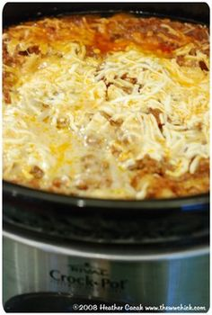 Slower Cooker Lasagna--Weight Watchers Style, Points Plus = 10 servings) cooks for hours. Turned out really good, but the time is no joke. too long and the pasta is cooked too much Skinny Recipes, Ww Recipes, Slow Cooker Recipes, Crockpot Recipes, Dinner Recipes, Cooking Recipes, Healthy Recipes, Healthy Dinners, Drink Recipes