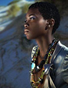 La vraie beauté noire Afro Hairstyles, Black Women Hairstyles, Dark Skin Beauty, Hair Beauty, Natural Beauty, Black Beauty, Moda Afro, Natural Hair Styles, Short Hair Styles