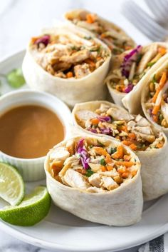 Food For Thought, Asian Chicken Wraps, Healthy Chicken Wraps, Chicken Salad Wraps, Healthy Recipes With Chicken, Chicken Tortilla Wraps, Spicy Chicken Wrap, Taco Wraps, Healthy Chicken Dinner