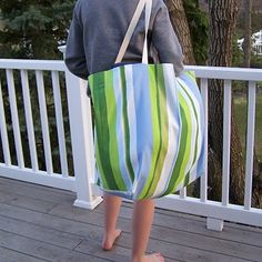 pattern for a big beach tote. @Kimberly Munro we should pick some fabrics and make some :)
