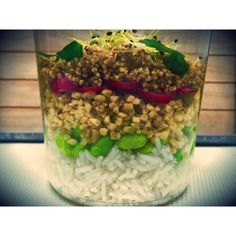 Salade éphémère ! #vegan #veganfood #veganfoodshare #vegetarian #detox #fresh #summer #homemade #salad #bonneadresse #lunch #veggie #veggies #nodairy #equilibre #mangersain #slowfood #miam #delicious #yummy #picoftheday #lamaisondesproteines #soy #rice #11ruelafayette #paris9 #healthy #nosauce