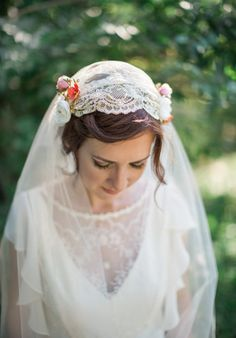 Hey, I found this really awesome Etsy listing at https://www.etsy.com/listing/400612989/ivory-juliet-cap-veil-juliet-veil-juliet