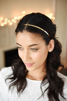 Just try to wear a thin gold headband and not feel like the Blair Waldorf version of yourself. | 15 Foolproof Ways To Wear A Glam Hair Accessory