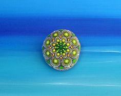 Summer dream  handbemalter Stein  Mandala