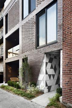 Geode / Crystalline / Multihousing / Materiality / Brick / Innovation / Mezzanine / LEED / Urban strategy / Urban project / Mineral / Monolithic / Courtyard / Light / Ecologic architecture / Rock / Masonry