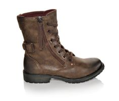 Take command and rock these rustic Roxy combat boots. Very comfy. True to size.  Shoe Carnival